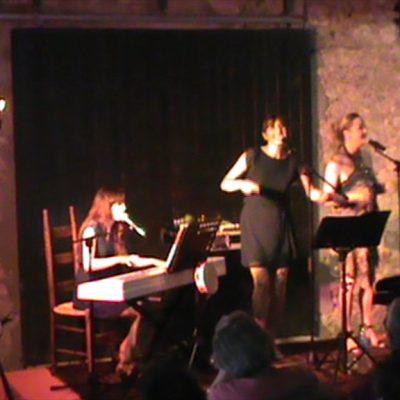 On retrouve les très Jazzy Blue Note Sisters en formule trio