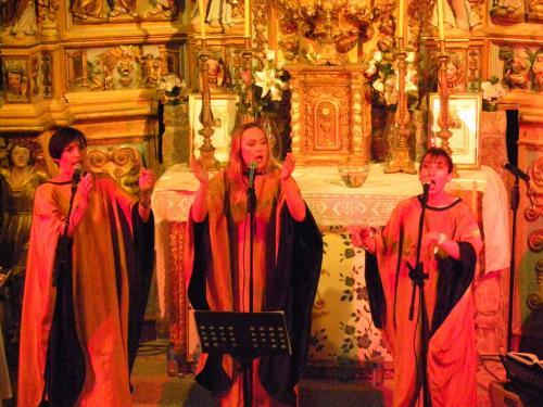 Blue Note Sisters Gospel VERONIQUE-CIPOLAT-ZILLAH-LOCK-GISELE-VACHER-2-Concert-chapelle-de-Villeneuve